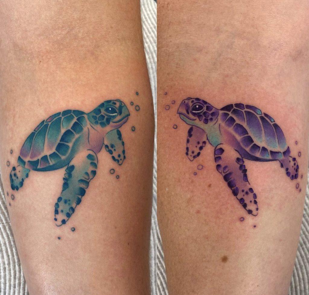 ¿Qué significa el tatuaje de una tortuga marina? tatuaje tortuga marina pequeña - tatuaje de tortuga marina - significado de tatuarse una tortuga ¿Qué significa tatuarse una tortuga?